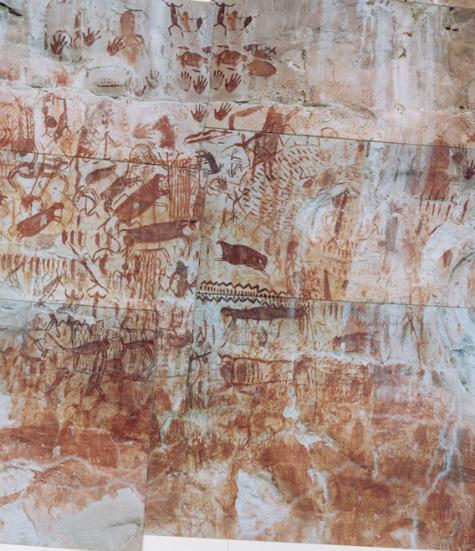 Pinturas rupestres de otra zona de Chiribiquete-animales, huellas de manos y figuras antropomorfas- (Carlos Castaño Uribe/Wikimedia Commons)