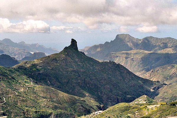 El Roque Bentayga, una de las formaciones rocosas más singulares de Gran Canaria (Wikimedia Commons)