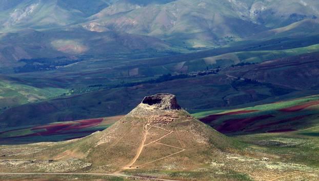 Vista-Aerea-Crater-Zendan-e-Soleyman.jpg