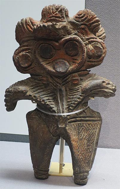 Dogū (figura de arcilla), período Jomon, 7000-400 a. C, Museo Nacional de Tokio. (CC0)