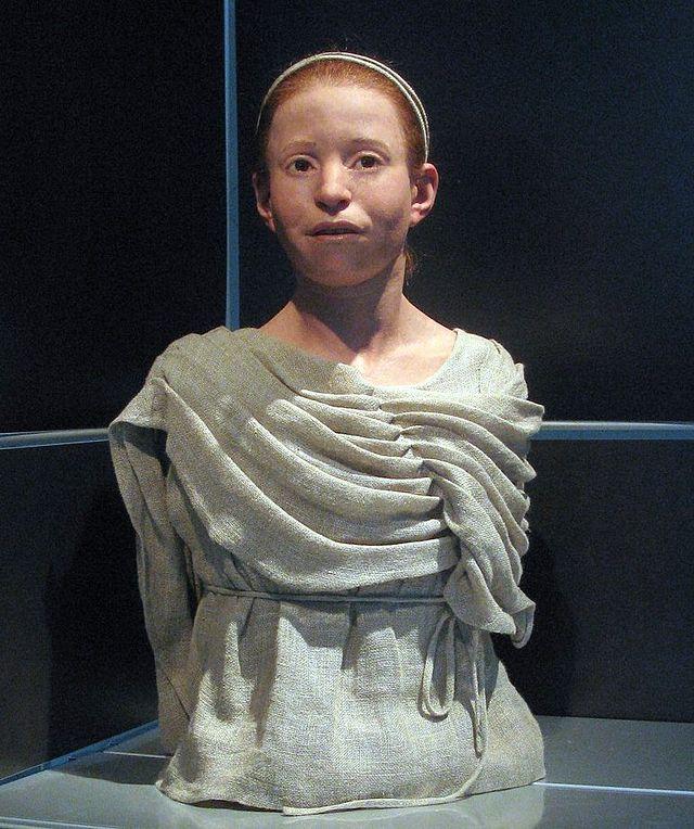 Reconstrucción del aspecto de Myrtis, una niña de 11 años que murió durante la Peste de Atenas-Kerameikos(Wikimedia Commons)