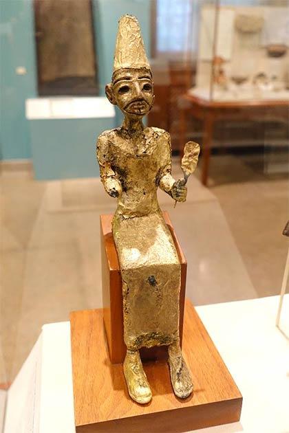 El, la deidad creadora cananea, Megido, Estrato VII, Bronce tardío II, 1400-1200 a.C., bronce con pan de oro - Museo del Instituto Oriental, Universidad de Chicago. (CC0)