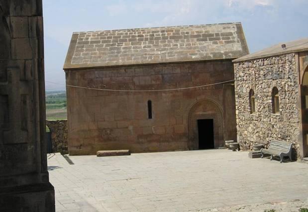 Capilla-Khor-Virap-Armenia.jpg