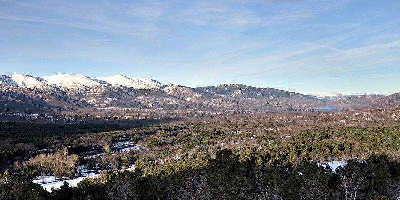 El Valle del Lozoya, lugar en el que se encuentra situado el Valle de los Neandertales. (Wikimedia Commons)
