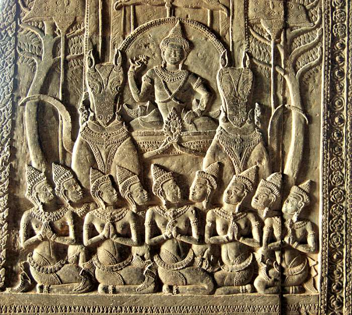 Exquisito relieve decorativo de uno de los muros del complejo de Angkor Wat. (Allie Caulfield/Flickr)