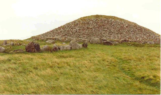 Tumbas-Megaliticas-Lughcrew-Slieve-na-Calliagh.jpg