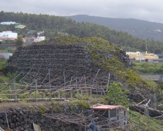 Pirámide-de-Santa-Bárbara-en-Icod