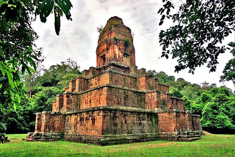 Construido como homenaje al Rey Rajendravaman, en el año 948, Baksei Chamkrong es un templo consagrado a Shiva. (Wikimedia Commons)