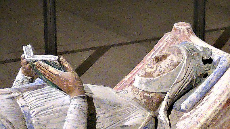 Detalle de la escultura de la tumba de Leonor de Aquitania en la Abadía de Fontevrault (Foto: Adam Bishop CC-BY-SA 3.0)