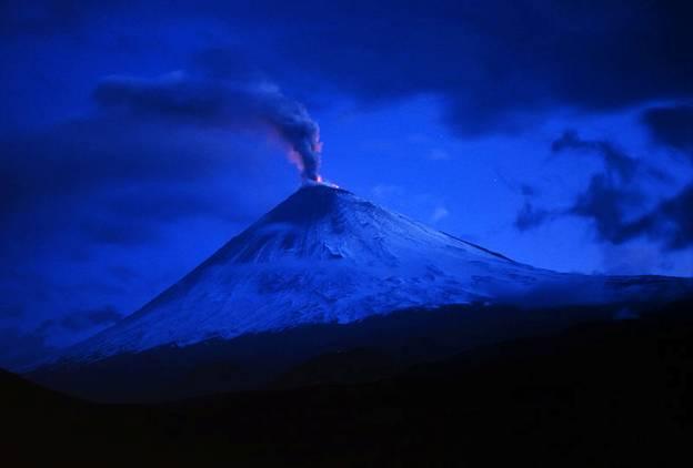 Erupción del volcán Klyuchevskoi en Kamchatka, Rusia, verano de 1993
