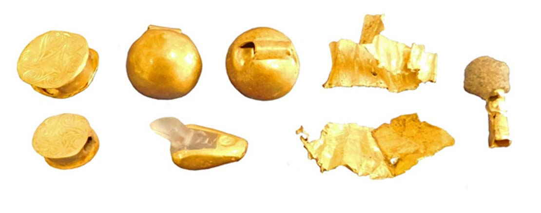 Abalorios y bandas de oro de los períodos Minoico Temprano II y Minoico Medio IA. (Imagen: Culture.gr)