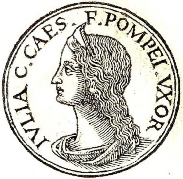 """Julia de Promptuarii Iconum Insigniorum. La inscripción dice: """"Julia; hija de Cayo César; esposa de Pompeyo"""". (Hannah ~ commonswiki / dominio público)"""