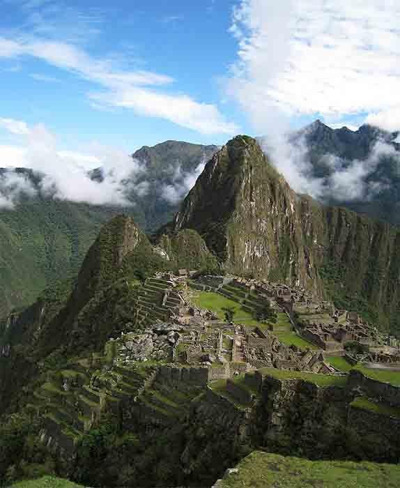 Uno de los mayores regalos de Pachacuti fue la construcción de la ahora mundialmente famosa ciudadela de Machu Picchu, que se dice que fue su refugio privado. (luz de hielo de Boston, MA, EE.UU. / CC BY 2.0)