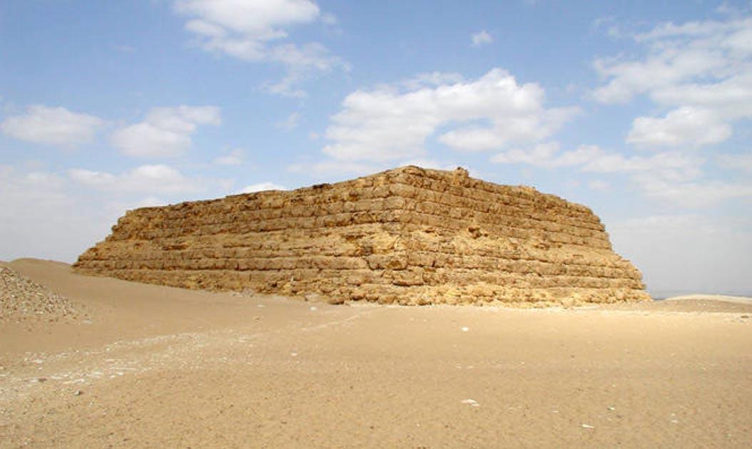 Ejemplo de una mastaba egipcia. (Jon Bodsworth/CreativeCommons)