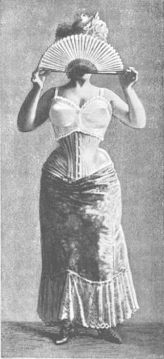 Mejorador de busto de 1900 usado sobre un corsé. (Dominio publico)