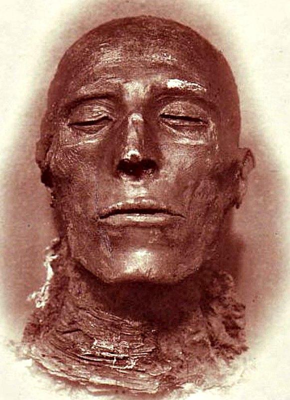 Primer plano del rostro de Seti I, cuya momia se halla en el Museo Egipcio de El Cairo. (Public Domain)