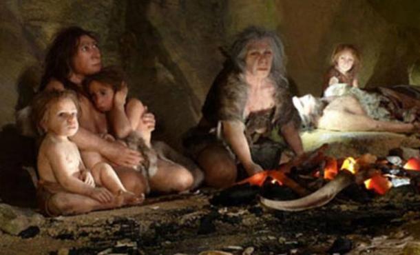 Recreación de una familia Neandertal. En exposición en el Museo Neandertal de Krapina, en Croacia.