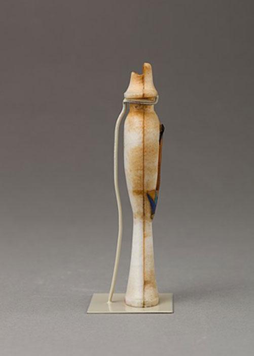 Frasco de perfume en forma de jarrón con incrustaciones de la figura de una princesa. Período: Nuevo Reino, Período Amarna (Museo Metropolitano de Arte)