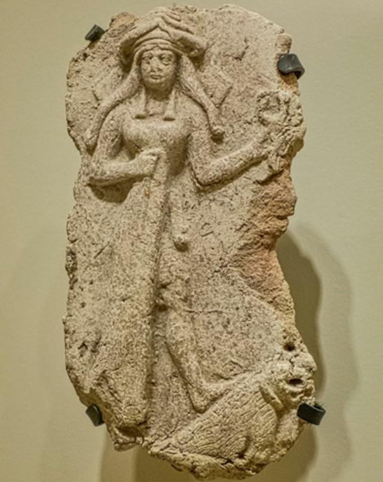 La placa determinada para ser la diosa Ishtar fue descubierta en la antigua Ebla. . (Mary Harrsch / CC BY-SA 2.0)