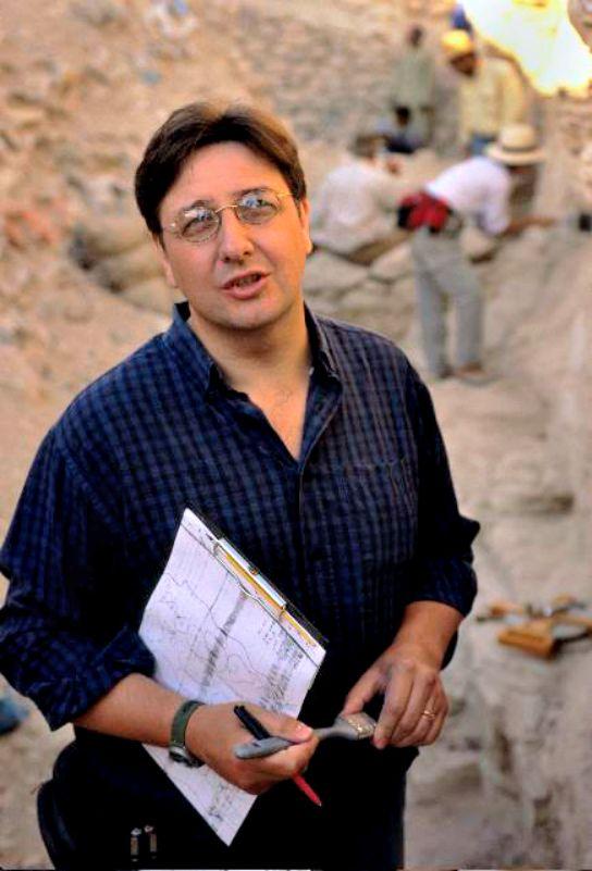 Nicholas Reeves, ha viajado hasta Luxor para demostrar la teoría que defiende desde hace meses sobre la tumba de la reina Nefertiti. (Fotografía: nicholasreeves.com)