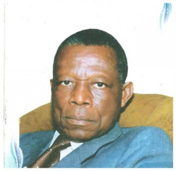 El escultor, Gédéon Mpando, 1932 - 2013 (Osidimbea)