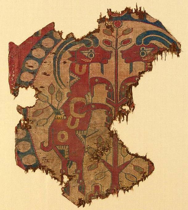 Fragmento de tejido de brocado de seda sogdiano ca 700 d.C. (Dominio público)