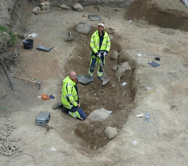 Una de las naves funerarias vikingas o tumbas de barcos encontradas en Suecia. (Arkeologerna)