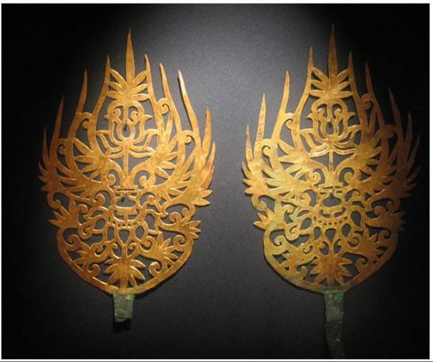 Diademas de oro con intrincada decoración pertenecientes al reino Baekje.