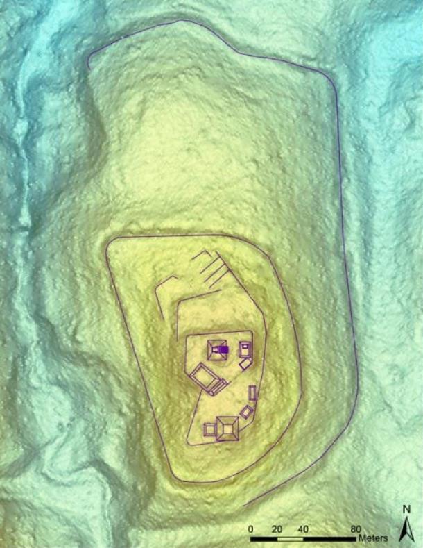 Imagen de LiDAR que muestra la Ciudadela El Pilar con estructuras detectadas actualmente y sus dimensiones relativas y ubicaciones en la cima de la cresta, incluyendo las dos murallas más bajas.