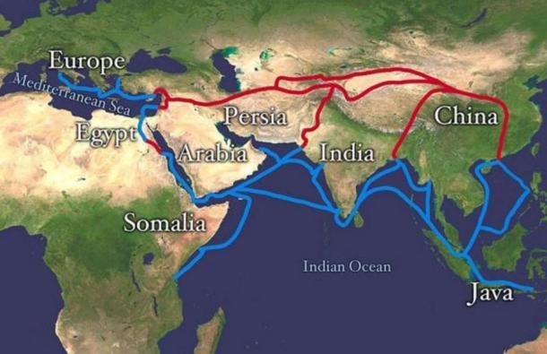 Extensión de la Ruta de la Seda. En rojo está la ruta terrestre y en azul la ruta marítima/por agua.