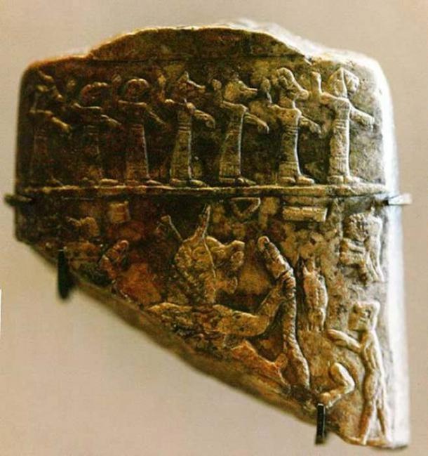 Fragmento de talismán usado para exorcizar a los enfermos,en la era asiria. (Rama / CC BY SA 2.0)