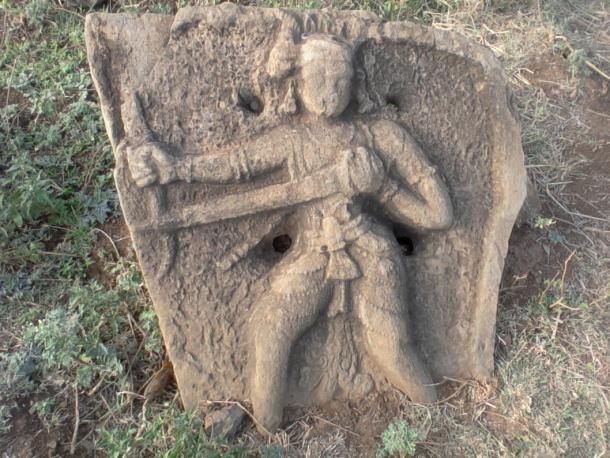Hero-Stone-from-Gotlur-village.jpg