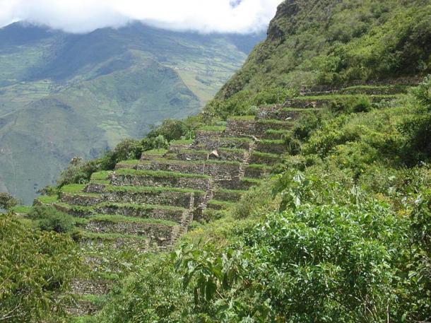 Distintivas Terrazas Inca en Choquequirao, que nos recuerda a Machu Picchu, el sitio hermana