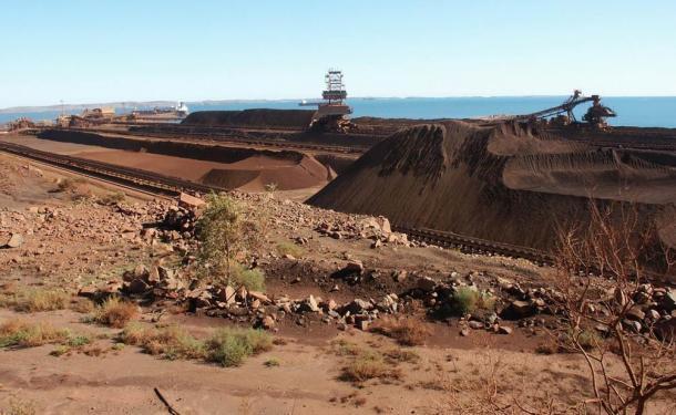 Mina de extracción de hierro en Dampier, Oeste de Australia.