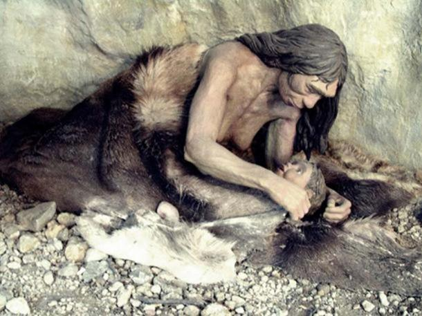 Madre e hijo neandertales (Anthropos Pavilion, Brno, República Checa). (CC BY NC 2.0)