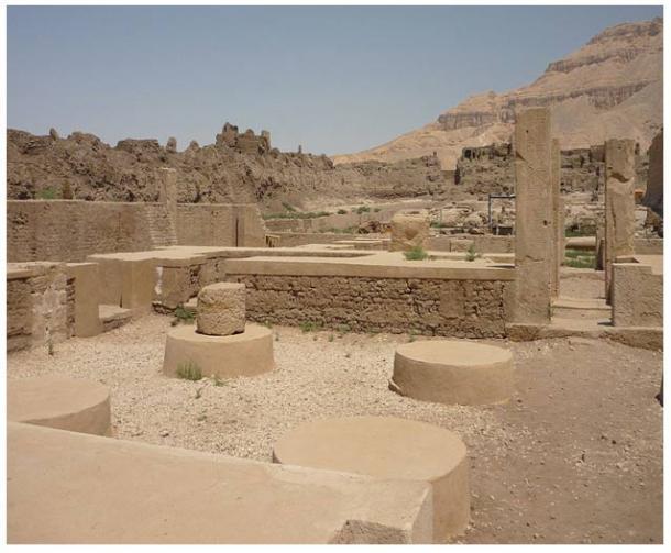 Palacio de Ramsés III, en Medinet Habu, Necrópolis Tebana, Egipto.