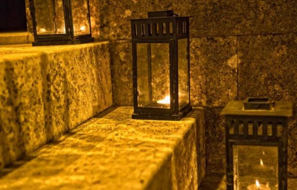 Fotografía de una Lámpara Antigua.