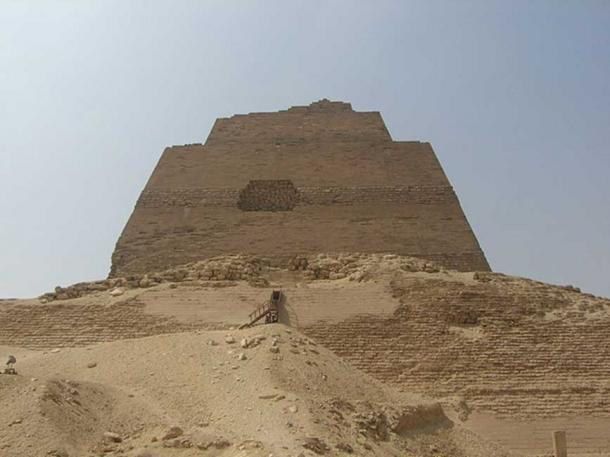 Pirámide de meidum. (Dominio publico)