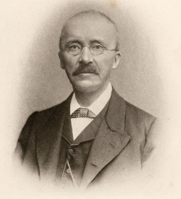 Retrato de Heinrich Schliemann