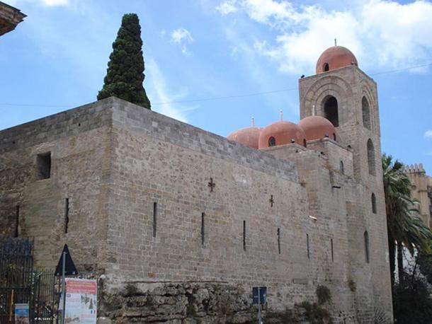San Giovanni degli Eremiti, una iglesia siciliana que muestra elementos de la arquitectura bizantina, árabe y normanda. (Sibeaster / CC BY SA 3.0)