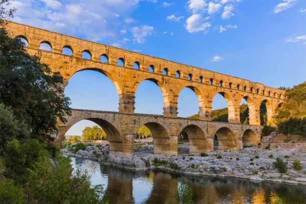 Acueducto Pont du Gard - Provenza Francia. (Nikolai Sorokin / Adobe Stock)