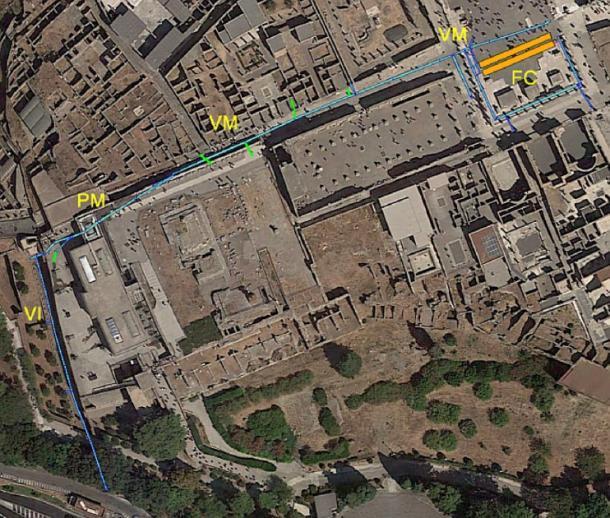 Mapa aéreo que muestra la red de desagües de la antigua Pompeya con los sitios (mencionados anteriormente) marcados. (Parque Arqueológico de Pompeya)