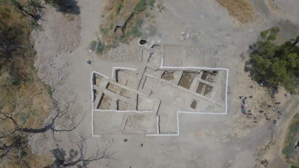 Vista aérea de la Iglesia de los Apóstoles, que se dice que fue construida sobre la casa de los discípulos de Jesús, Pedro y Andrés. (Captura de pantalla / Fox News)