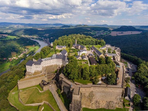 Vista aérea de la fortaleza de Königstein (Sliver / Adobe Stock)