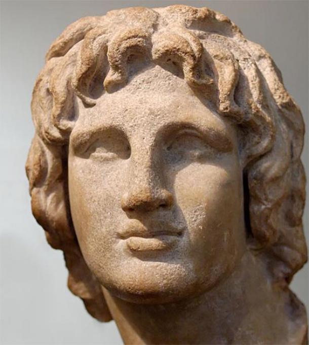 Retrato de Alejandro Magno. Mármol, obras de arte helenísticas, siglo II-I a.C. Se dice que es de Alejandría, Egipto. (Dominio publico)