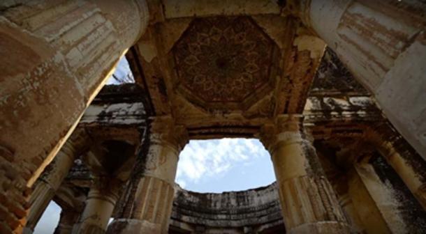 Antiguo templo hindú ahora abierto al público. (Junaid Syed / captura de pantalla de YouTube)