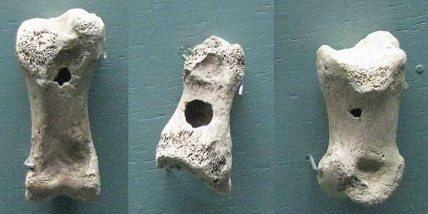 Antiguos silbatos de juguete hechos de huesos de reno de Finlandia que datan de hace aproximadamente 15.000 años. (Don Hitchcock / CC BY-SA 4.0)