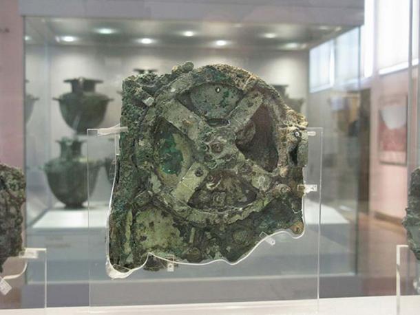 El Mecanismo de Antikythera conservado en el Museo Arqueológico Nacional, Atenas, Grecia. (Tilemahos Efthimiadis / CC BY 2.0)