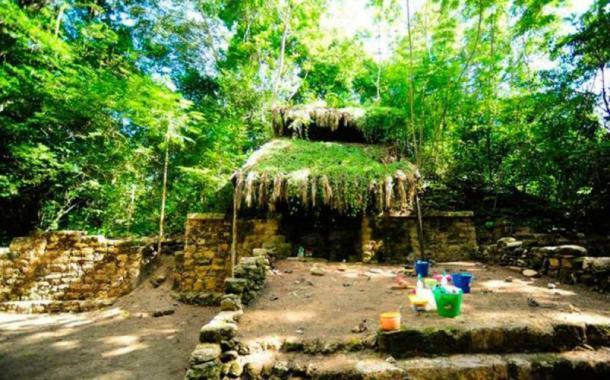 Trabajo arqueológico en el recientemente descubierto palacio maya. (INAH)