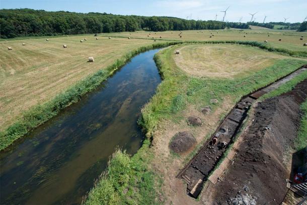 Los arqueólogos han estado buscando sistemáticamente una sección a lo largo del río Tollense durante más de 10 años. (©: Stefan Sauer / Proyecto Valle de Tollense)